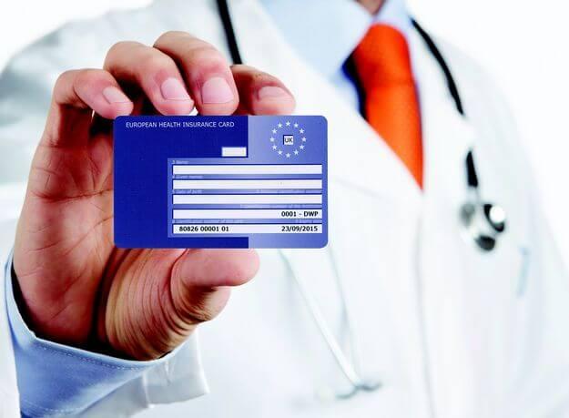 #2- Investiga las credenciales del cirujano plástico